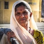 Udaipur woman   Foraggio Photographic