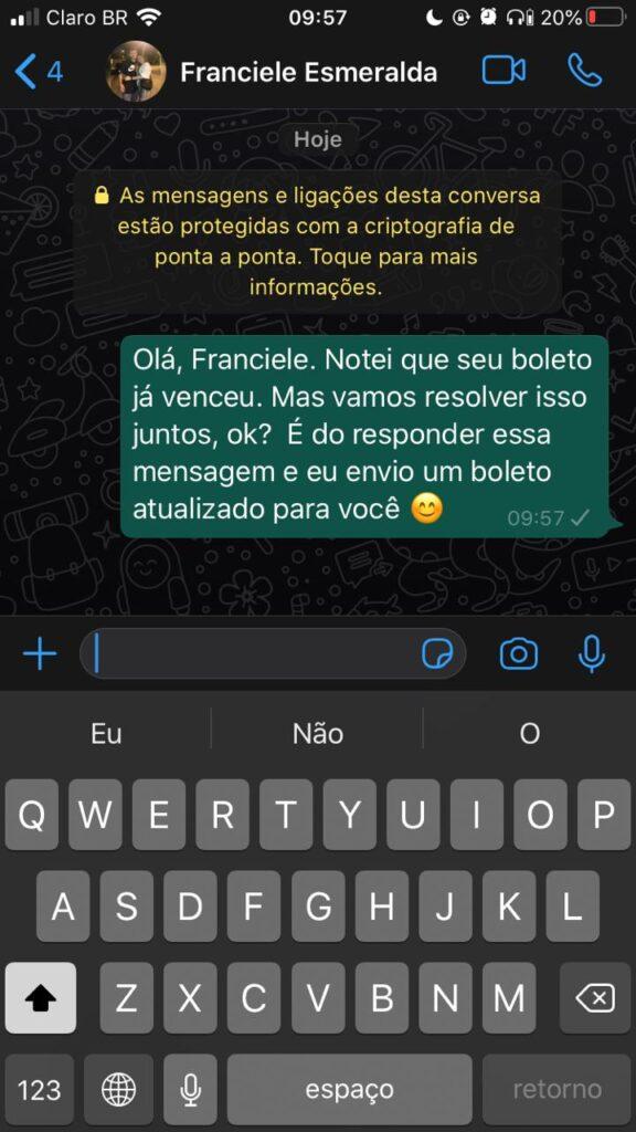 Mensagem de cobrança para clientes no WhatsApp