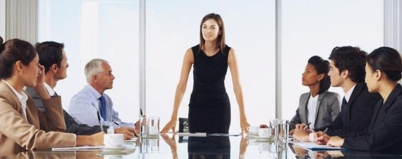 manager woman is leading the meeting