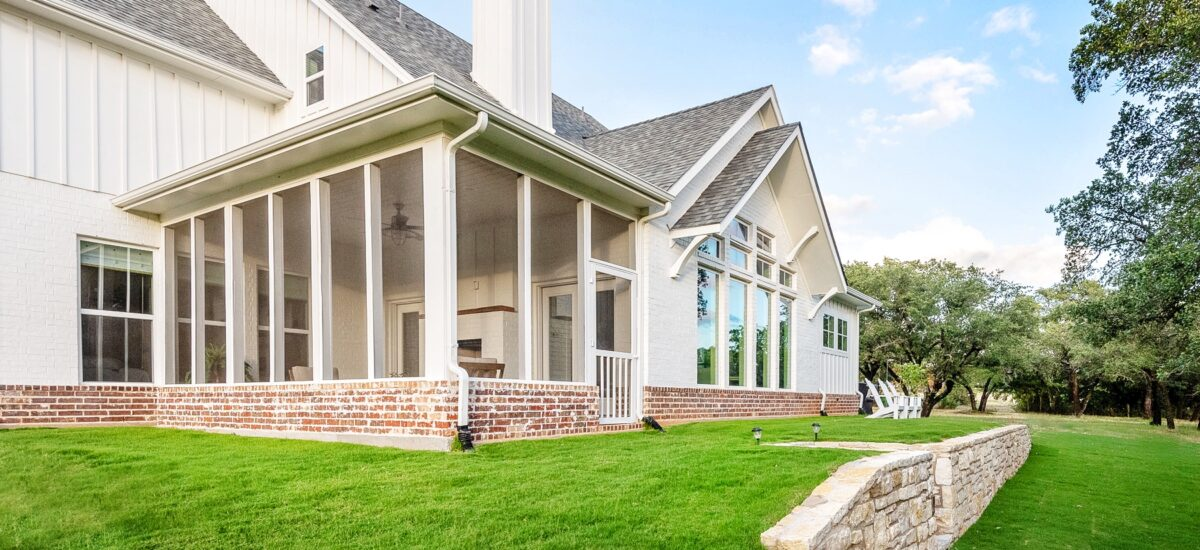 How to build a Simple Screened Porch for your Home