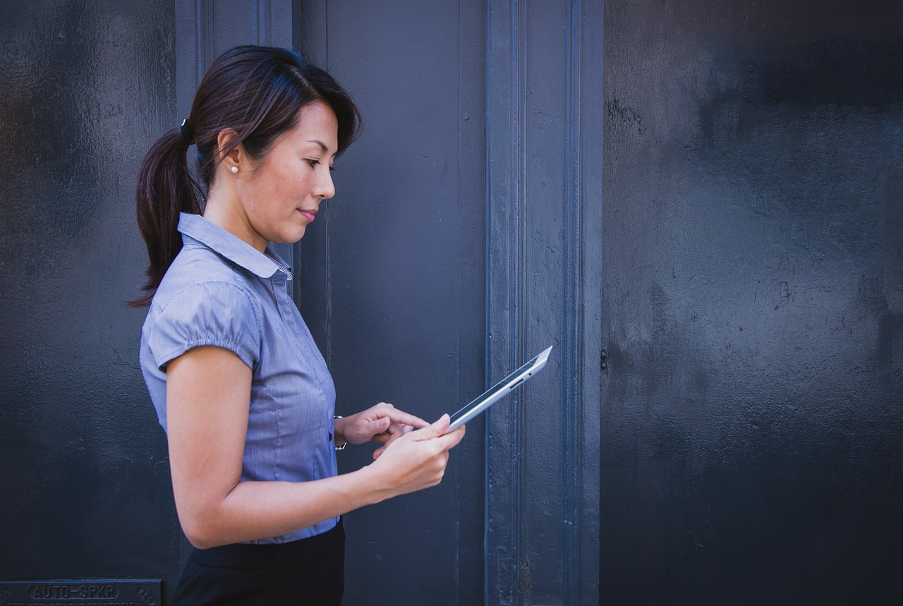 How to Hire a Virtual Assistant: 5 Mistakes You Must Avoid