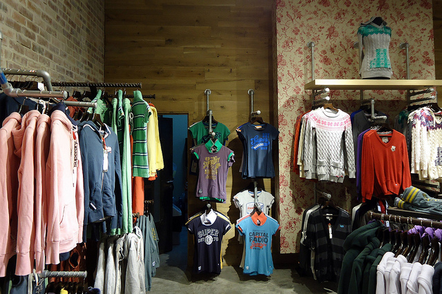 example2_Clothing_Stores-125