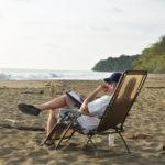 john kapelos beach thinking