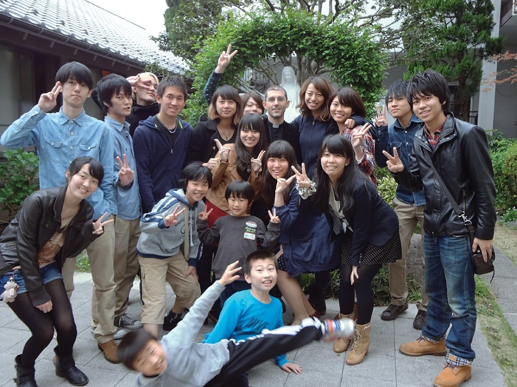 Fr-2BAndrea-2BLembo-2Bwith-2BJapanese-2BYouth-300×225.jpg