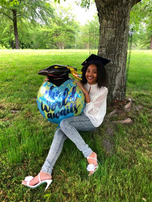 syd and college grad balloon