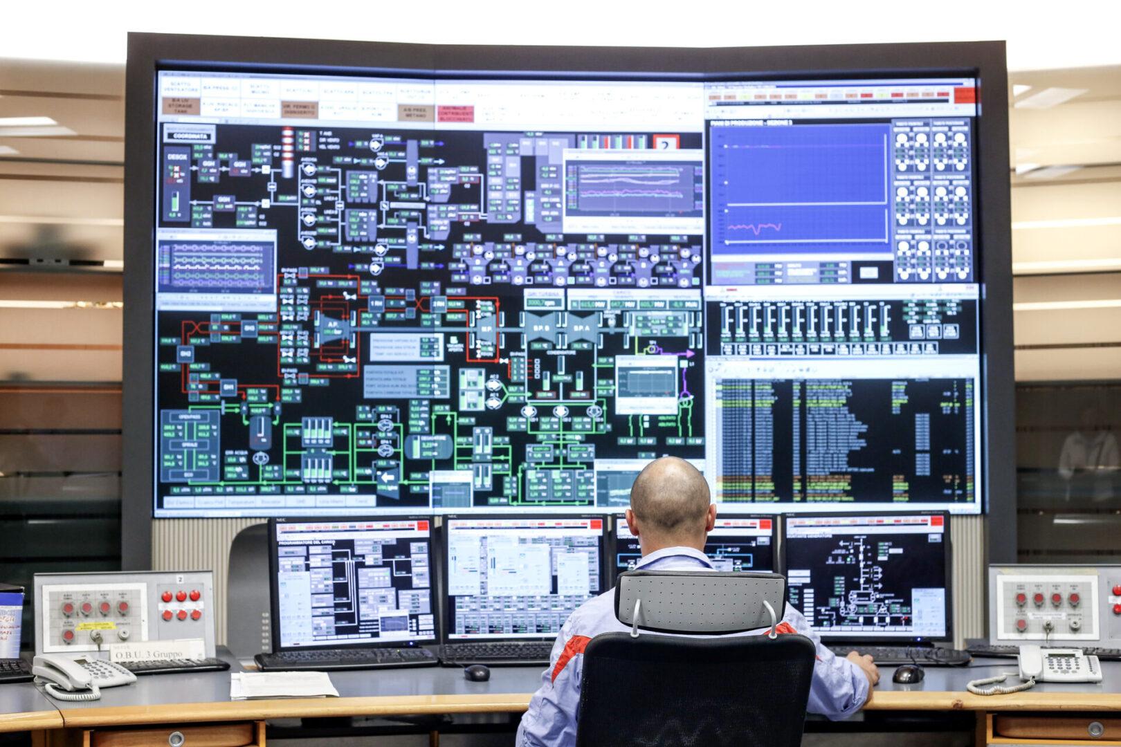 Civitavecchia,,Italy,-,10,October,2014:,Employees,Monitoring,Operational,Data