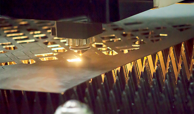 corte metal laser fibra