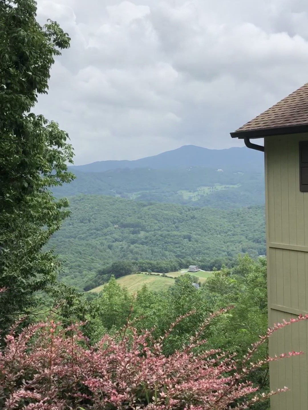 Chalet Realty Homes For Sale