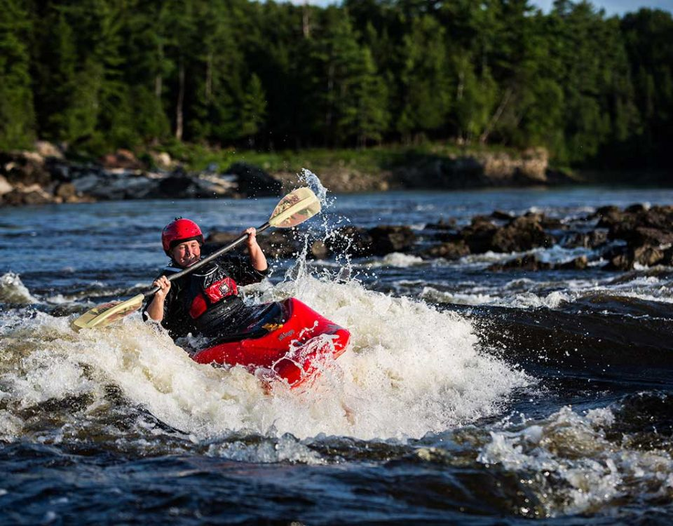 Learn to Surf your kayak on the Ottawa River