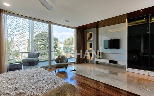 Tiberwal's Residence living room interior design