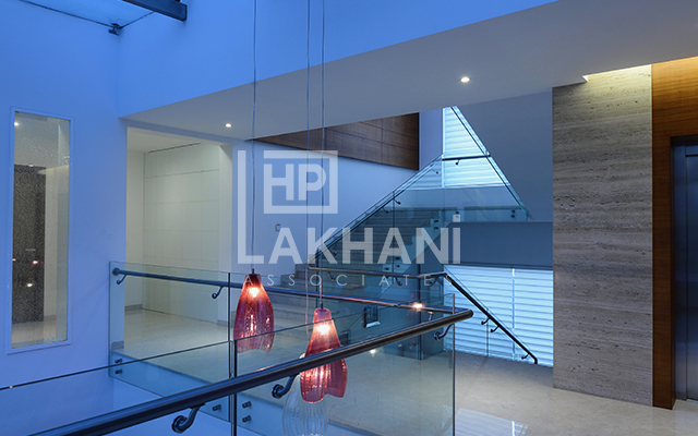 modern interior stairs design by HP Lakhani Associates