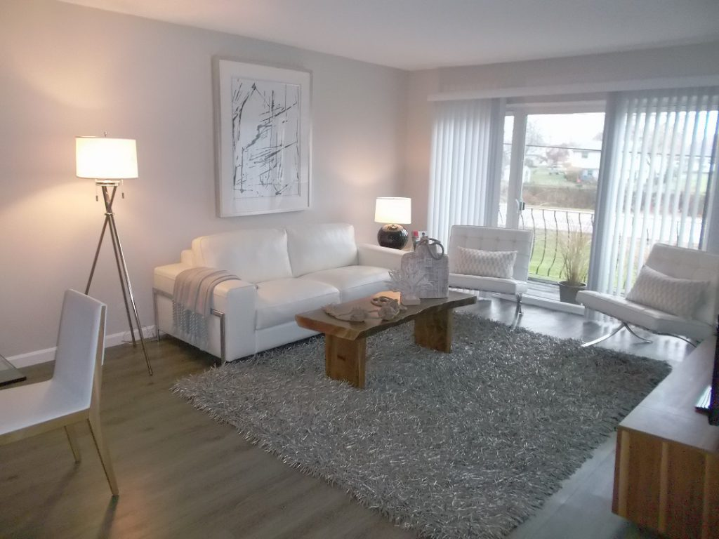 5 spacious living room