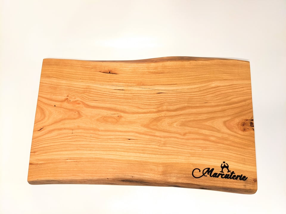 Cherry Wood 17 Charcuterie Board with Marcuterie Windsor