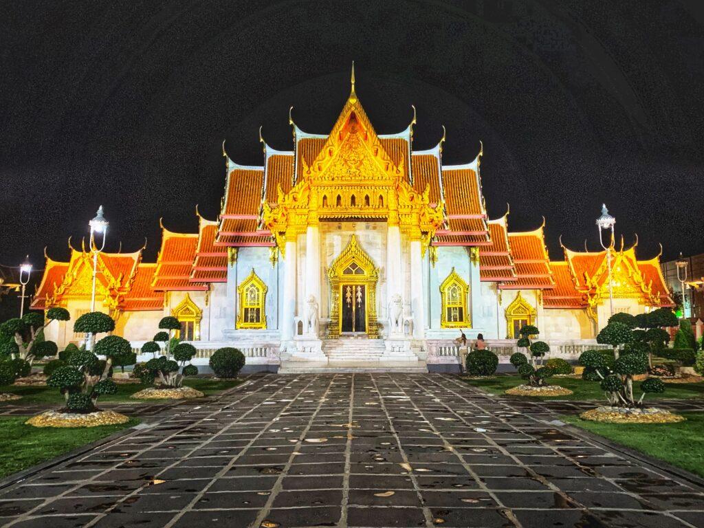Templo de Mármol al anochecer
