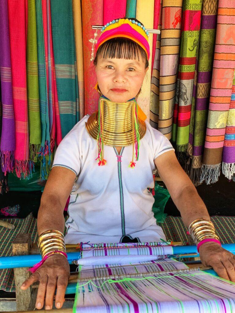 Mujeres de cuello largo provenientes de Myanmar