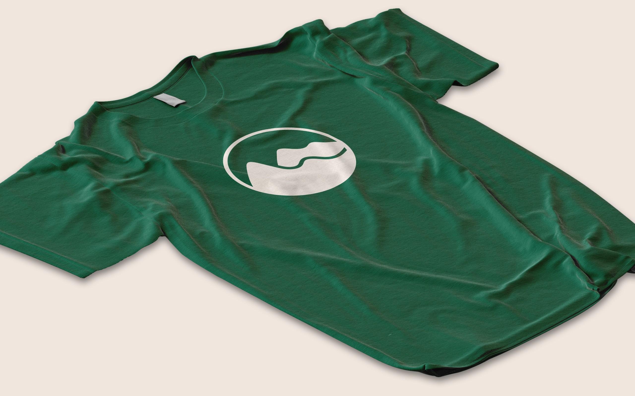 Hitchweb mountain iconography on a t-shirt.