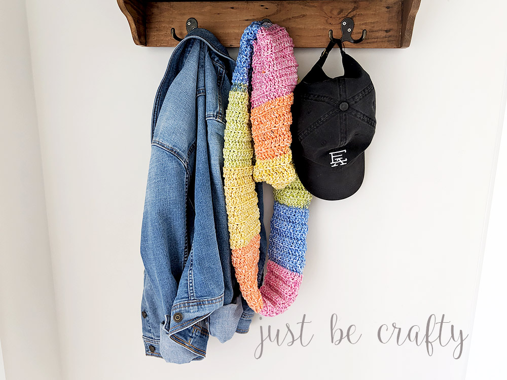 Crochet Ribbed Color Block Cowl - Free Pattern and Video Tutorial by Just Be Crafty
