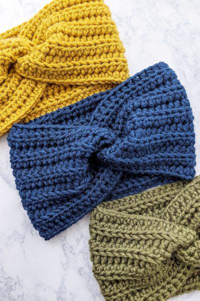 Crochet Twisted Ear Warmer Headband - Free crochet pattern and video tutorial by Just Be Crafty