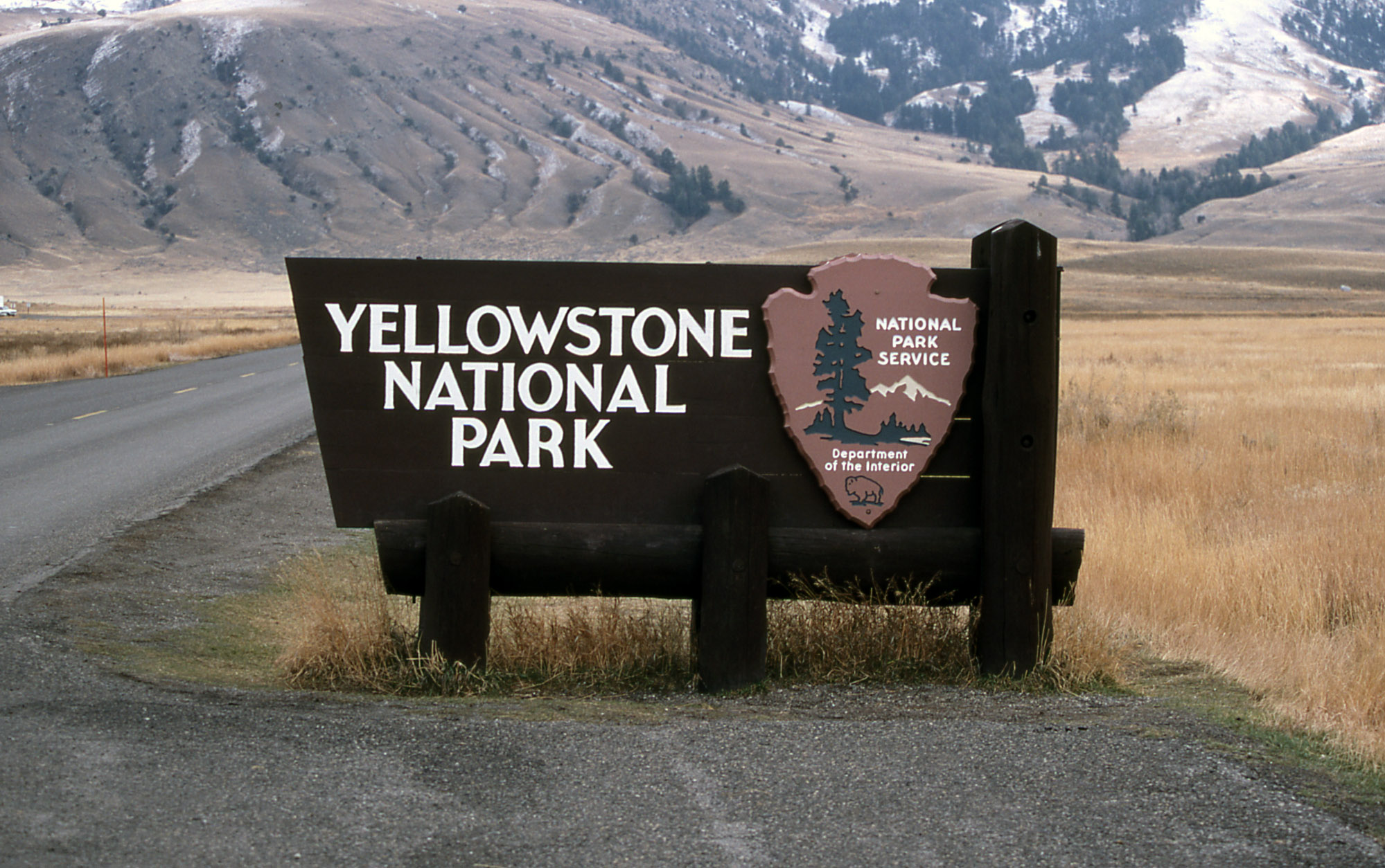 Yellowstone Fire Closes Road