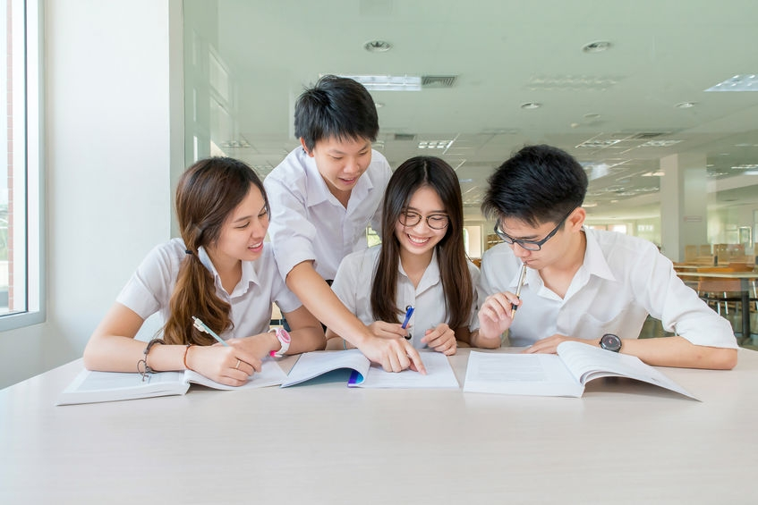 Thai High School students planning to study in the United States