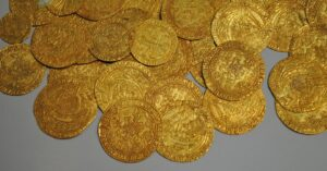 AGC offers gold and silver coins from large collections