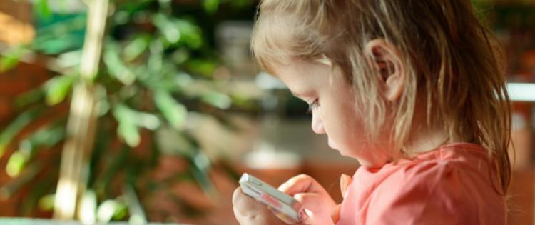toddler smartphone
