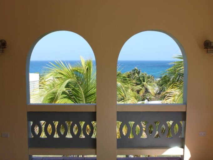 """Sea View House """"New LISTING"""""""