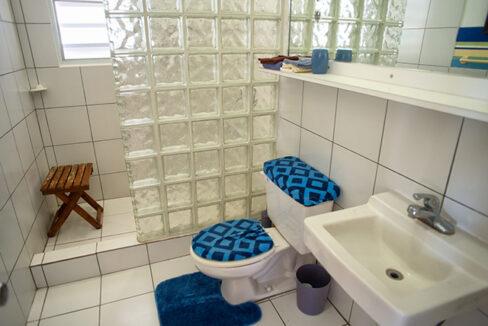 Bath 2nd fl