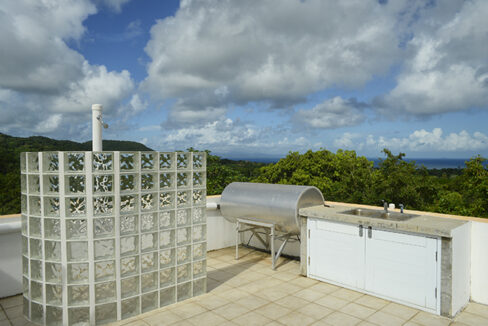 Roof top shower and kitchen