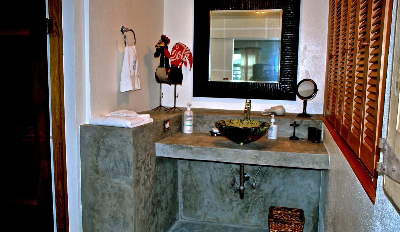 One Bedroom Bath