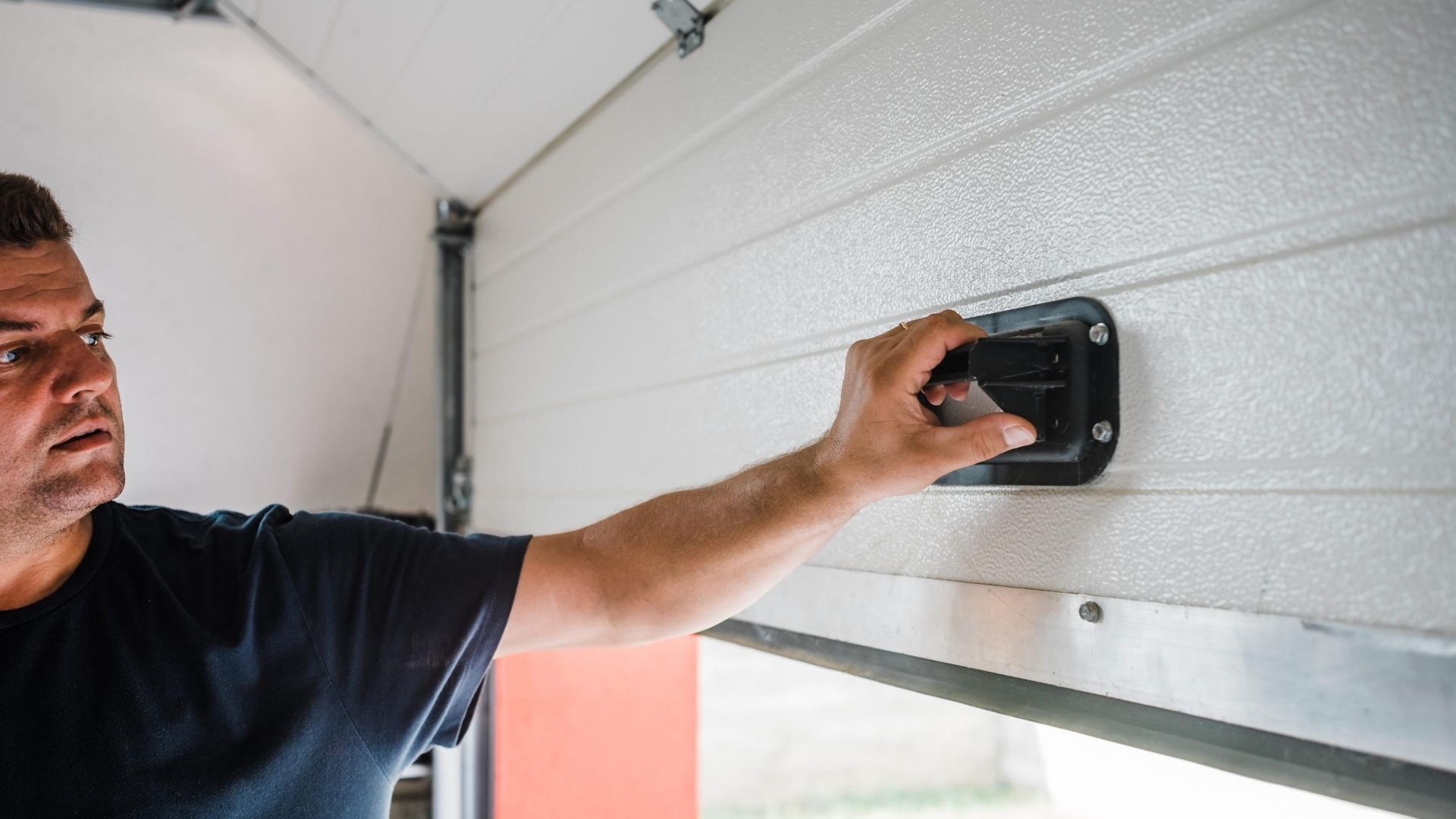 Wi Garage Door Service - Garage Door Replacement/Installation