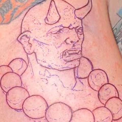 Photo Tutorial: devil portrait with necklace