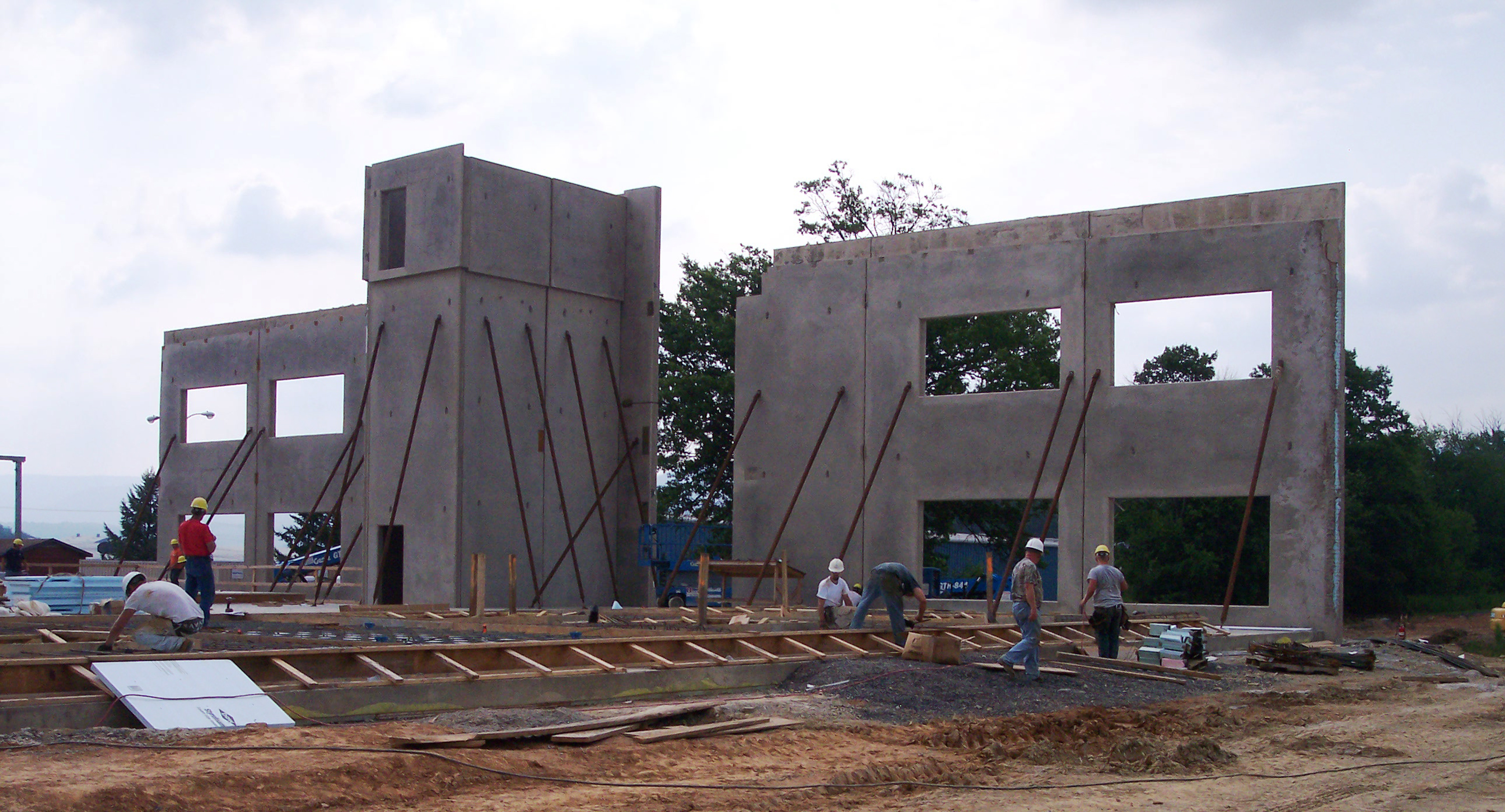 The Zartman team works on the GE Inspection Technologies building.