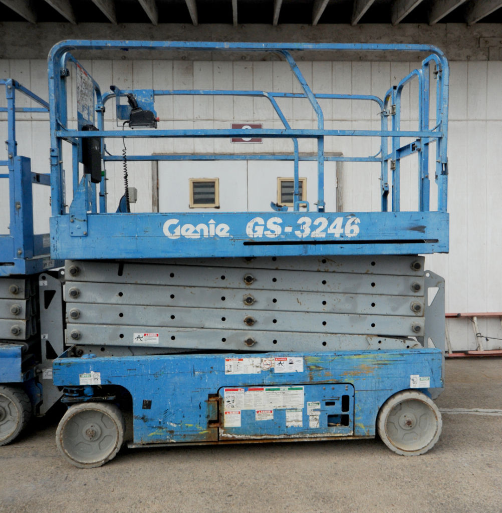 Genie GS-3246 slab scissor lift rental