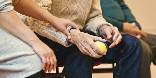how to identify signs of elder abuse