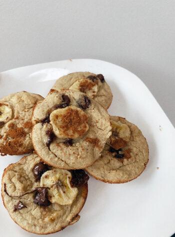 easy healthy flourless banana muffins