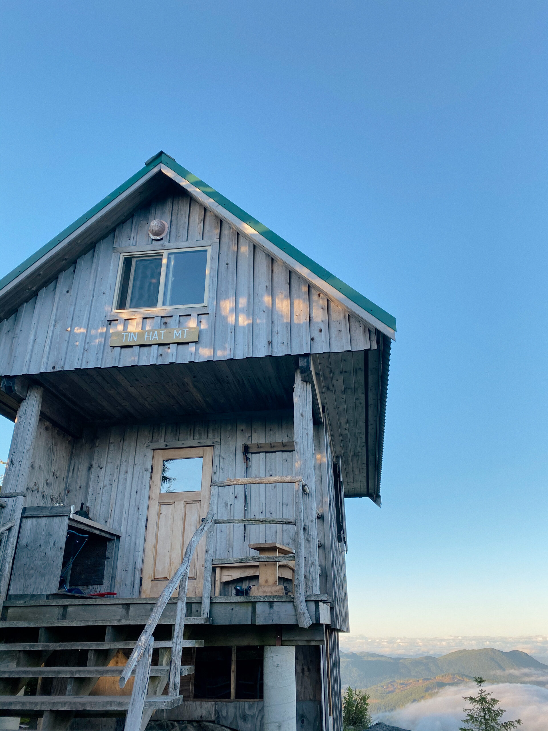 Tin Hat Hut on the Sunshine Coast trail