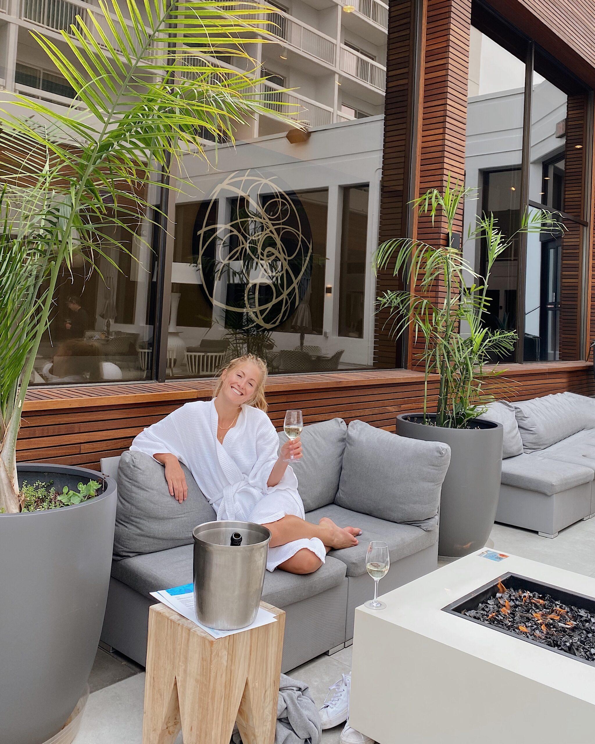 poolside hotel arts