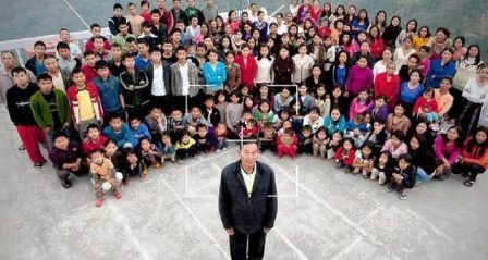 Man with world's largest family dies… but?