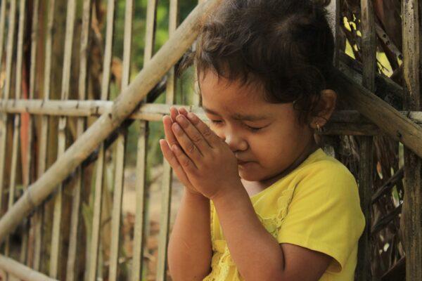 praying, kids, cambodia