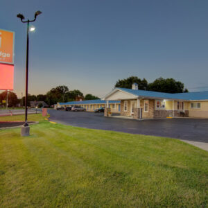 clinton mo hotels - Westbridge inn and suites clinton mo