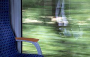 train-travel-1360740_640
