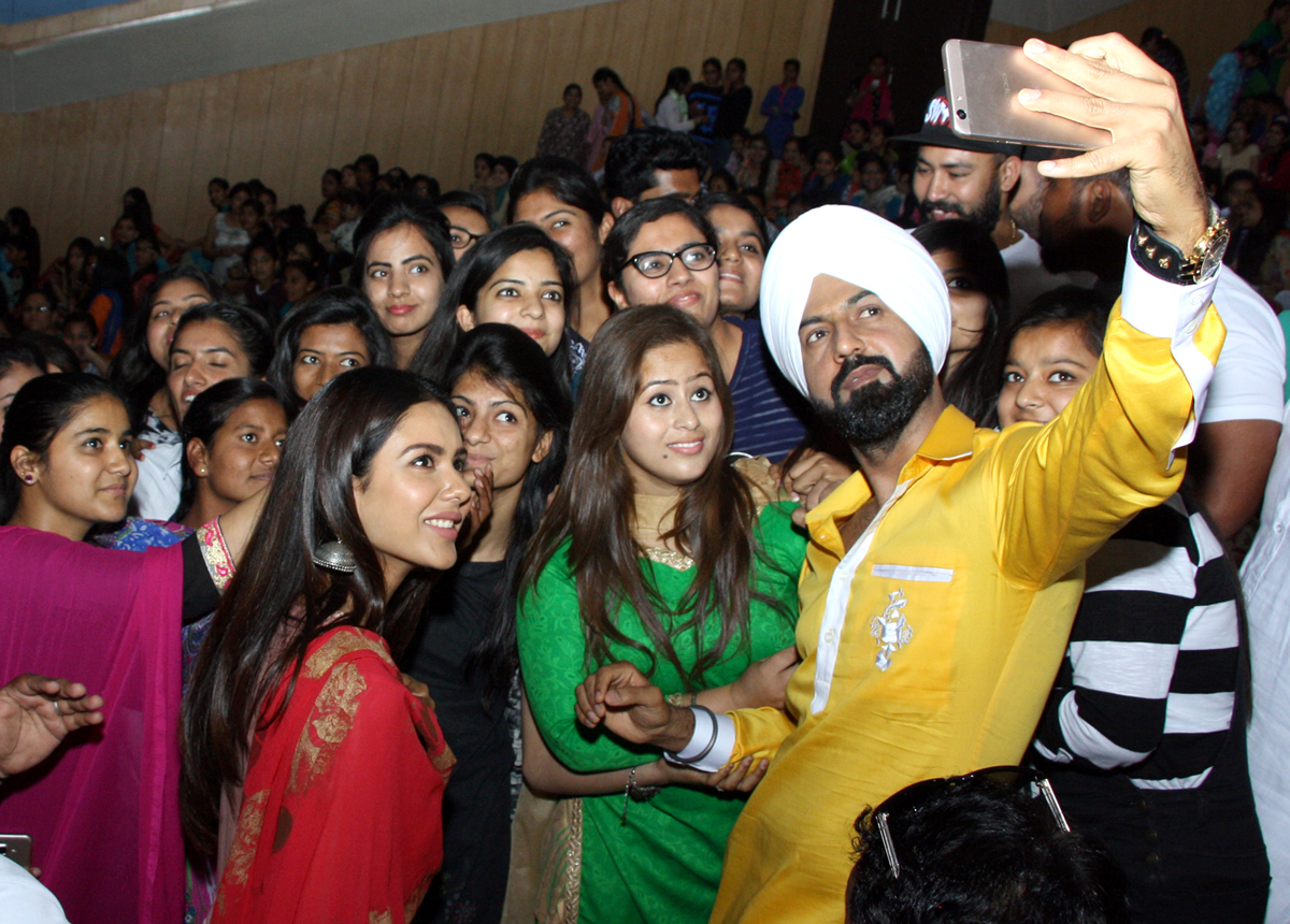Gippy Grewal holds audience spellbound