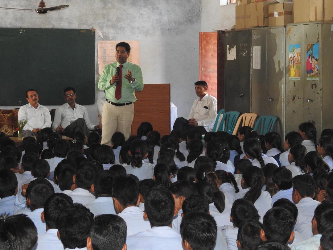 अधिकार और कर्तव्य एक ही रथ के दो पहिए: लोकेश गुप्ता