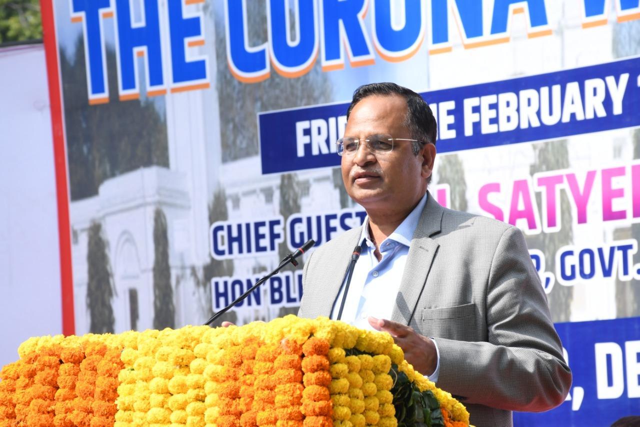 Health Minister Satyendar Jain felicitated 76 frontline workers of LNJP Hospital*