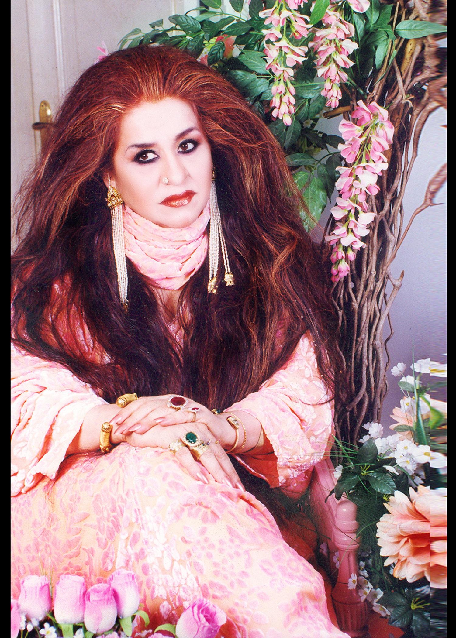 पावन होली के दौरान बालों तथा त्वचा की देखभाल शहनाज हुसैन
