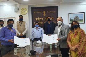 पर्यटन मंत्रालय ने आतिथ्य और पर्यटन उद्योगों ऑनलाइन ट्रैवल कंपनियों के साथ समझौता पत्र पर हस्ताक्षर किए