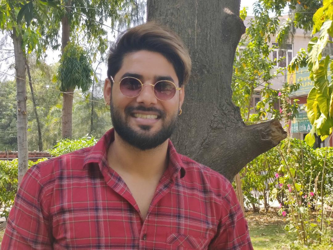 पंजाबी गायक नाबी सिंह का वायरल सिग्नेचर स्टेप्स वाला वीडियो ट्रैक 'ड्रीम गर्ल' रिलीज