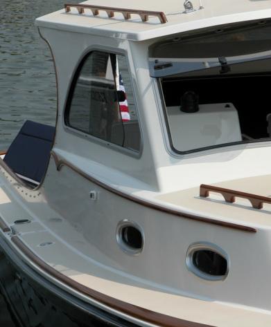 Original navigation light placement - Cabin side