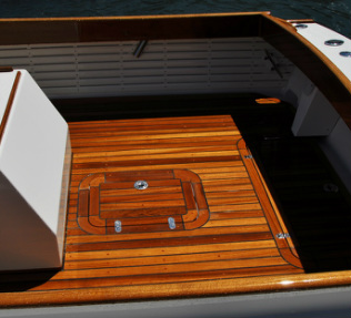 PatriotII teak deck with radius corners